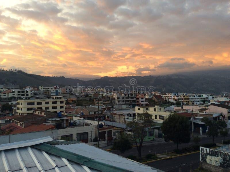 Puesta del sol en Ambato imagen de archivo libre de regalías