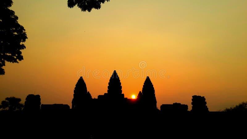 Puesta del sol en Angkor Wat imagenes de archivo