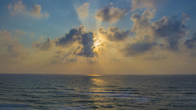 Puesta del sol en Apollonia Beach fotos de archivo