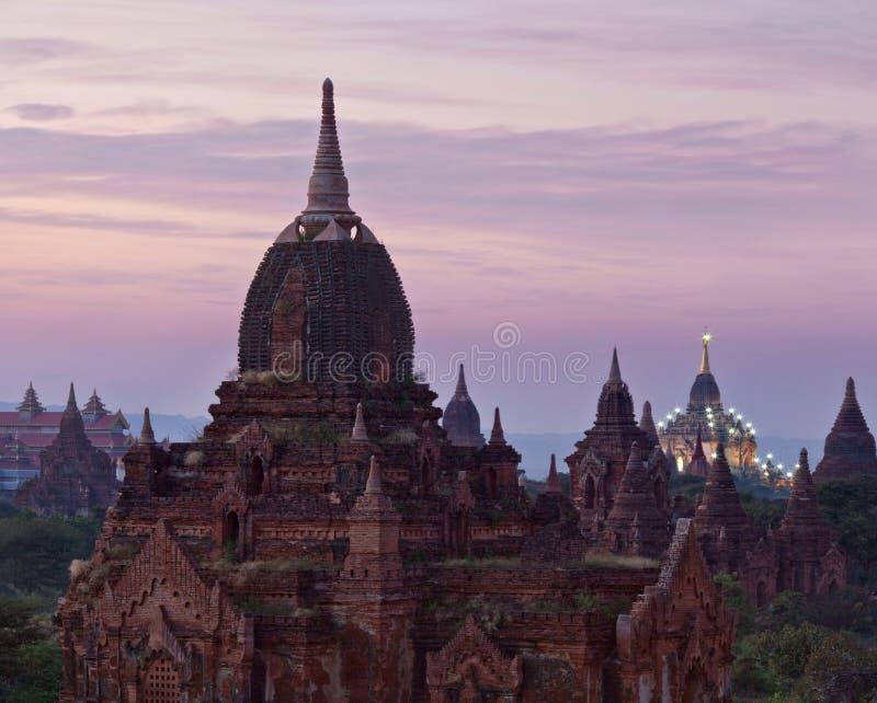 Puesta del sol en Bagan, Myanmar foto de archivo libre de regalías