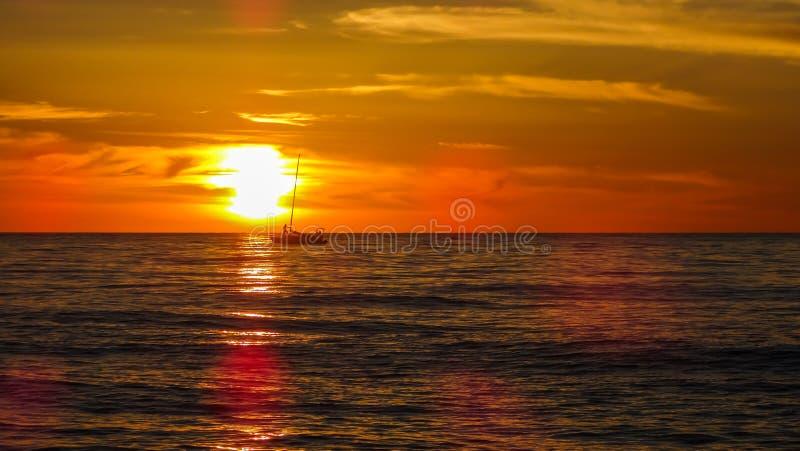 Puesta del sol en Batumi imagenes de archivo