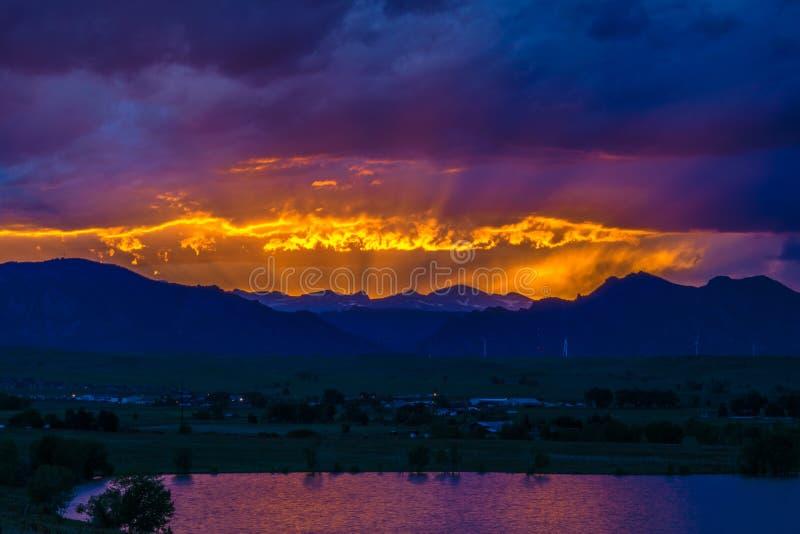 Puesta del sol en Boulder, Colorado fotos de archivo libres de regalías