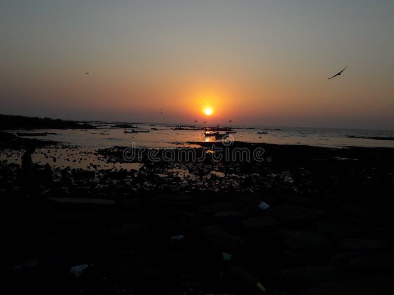 Puesta del sol en Carter Road   Mumbai_India fotografía de archivo libre de regalías