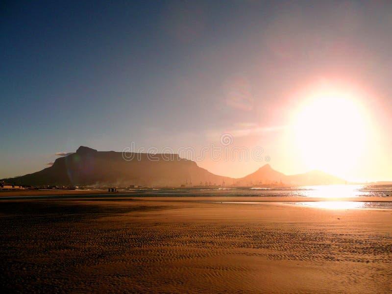 Puesta del sol en Ciudad del Cabo foto de archivo libre de regalías