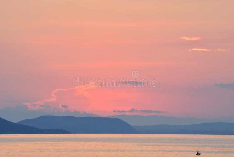 Puesta del sol en colores en colores pastel imagen de archivo libre de regalías