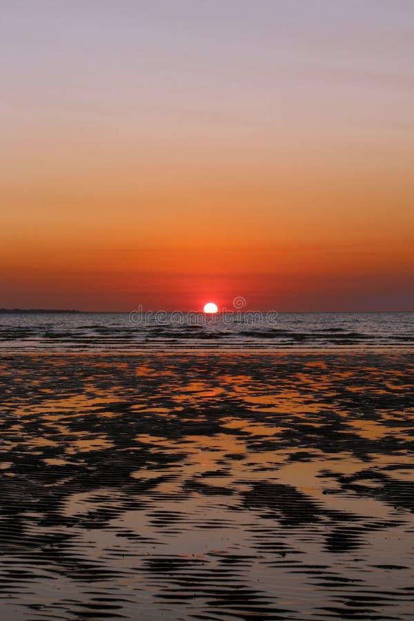 Puesta del sol en Darwin Harbor imagenes de archivo