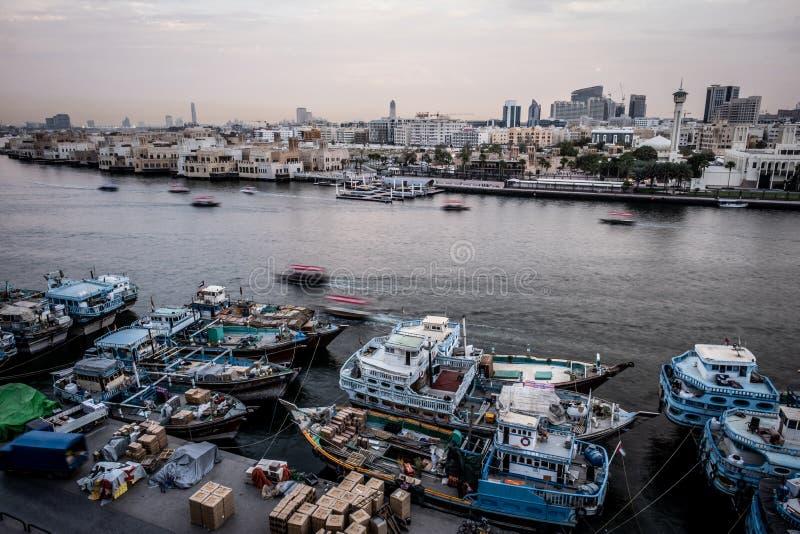Puesta del sol en Deira, Dubai foto de archivo libre de regalías