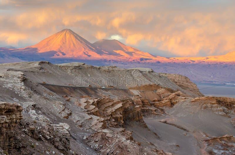 Puesta del sol en el desierto de Atacama hermoso, San Pedro de Atacama foto de archivo libre de regalías