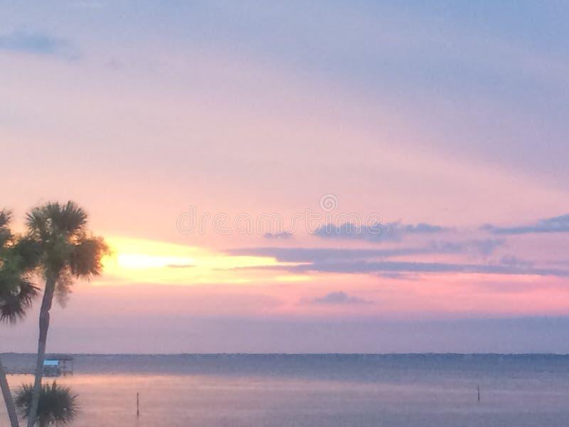 Puesta del sol en el golfo fotografía de archivo