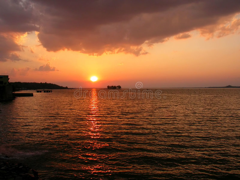 Puesta del sol en el lago Bhopal foto de archivo