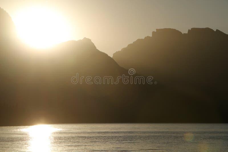 Puesta del sol en el lago jackson imagen de archivo