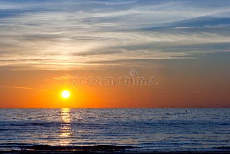 Puesta del sol en el mar Báltico imágenes de archivo libres de regalías