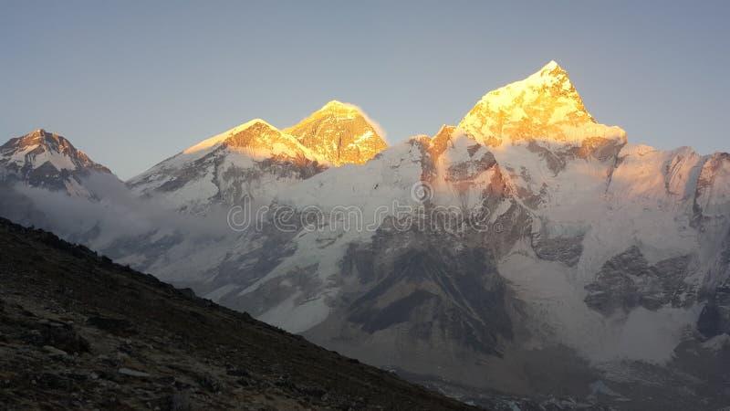 Puesta del sol en el montaje Everest imágenes de archivo libres de regalías