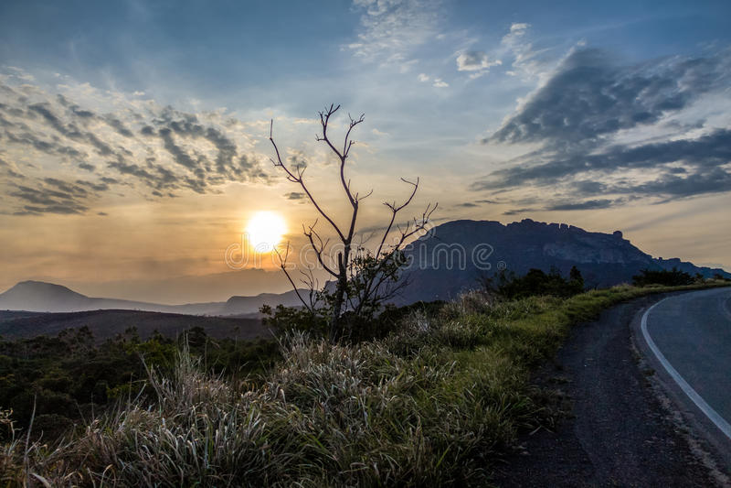 Puesta del sol en el parque nacional de Chapada Diamantina - Bahía, el Brasil fotos de archivo libres de regalías