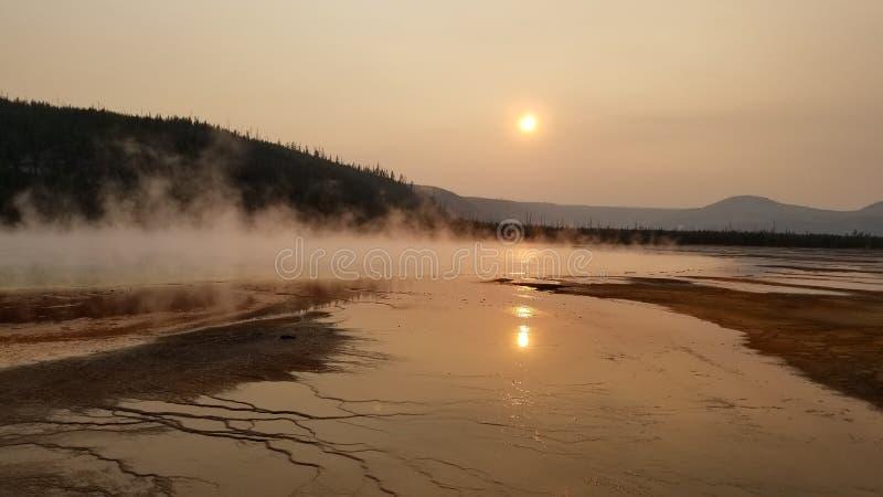 Puesta del sol en el parque nacional de Yellowstone fotografía de archivo libre de regalías