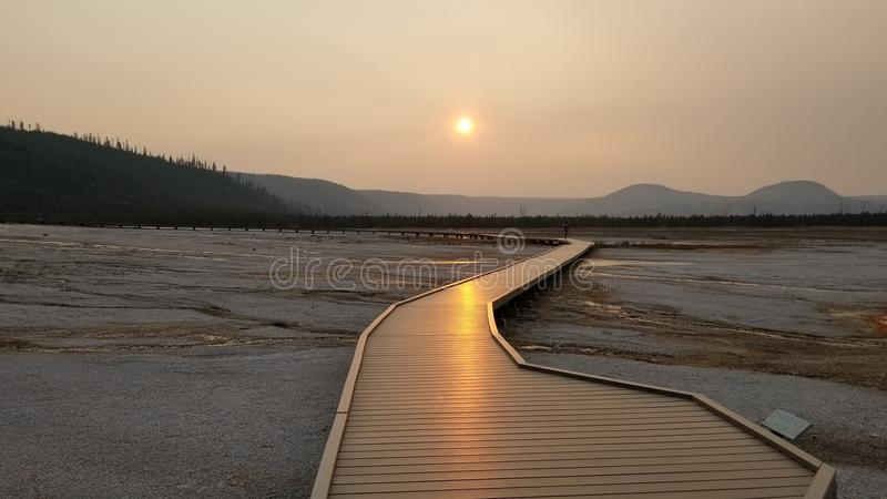 Puesta del sol en el parque nacional de Yellowstone foto de archivo libre de regalías