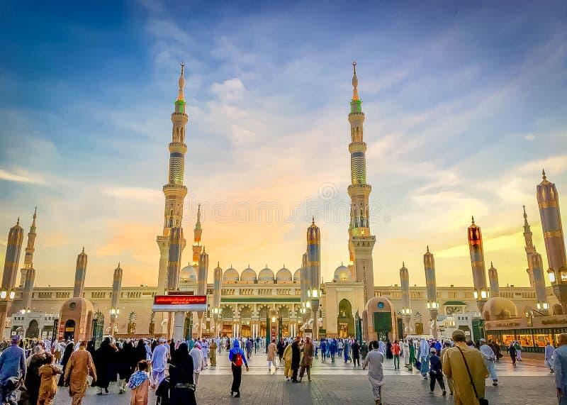 Puesta del sol en el profeta Mohammed Mosque fotografía de archivo