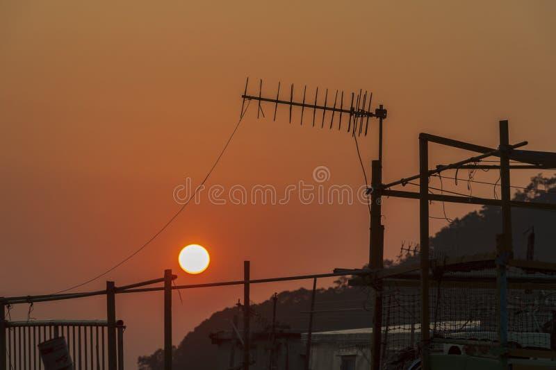 Puesta del sol en el pueblo Hong Kong del ³ del ¾ del 大æ del Tai O imágenes de archivo libres de regalías