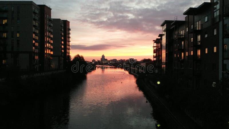 Puesta del sol en el río Irwell fotografía de archivo libre de regalías