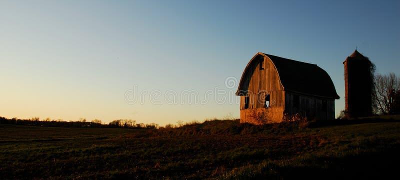 Puesta del sol en el valle foto de archivo