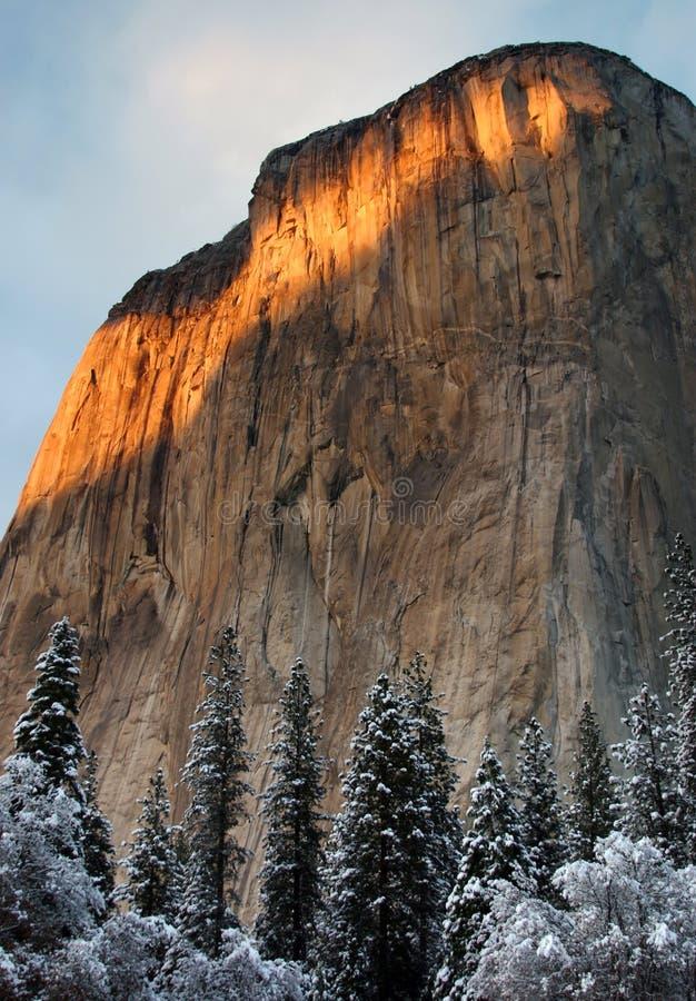 Puesta del sol en el valle de Yosemite en Christmastime foto de archivo libre de regalías