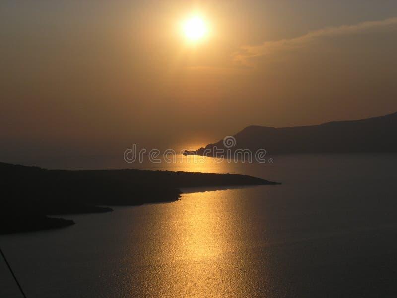 Puesta del sol en Fira imagen de archivo libre de regalías