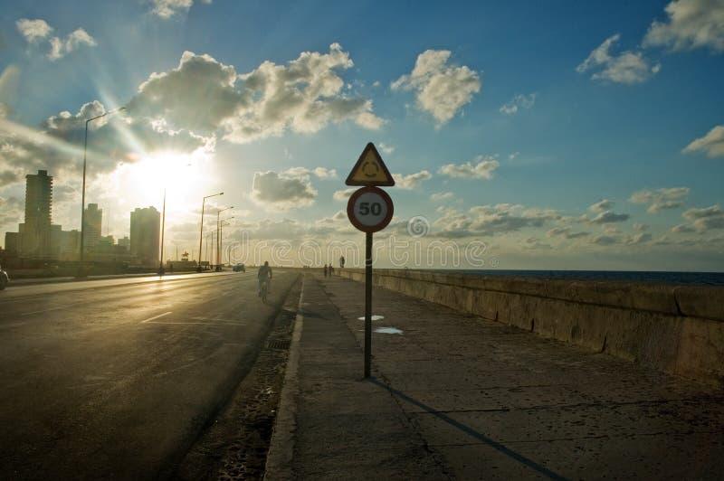 Puesta del sol en Habana Malecon foto de archivo libre de regalías