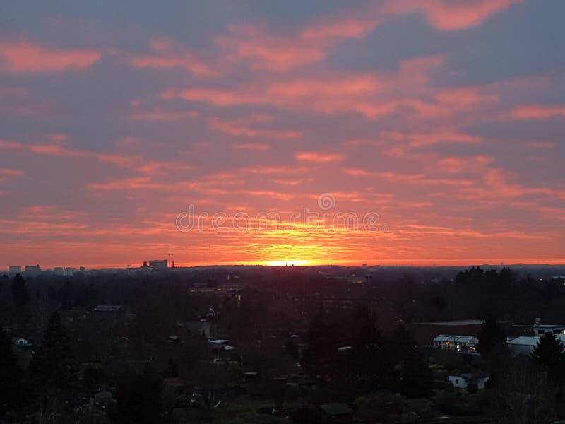 Puesta del sol en Hamburgo imagen de archivo libre de regalías