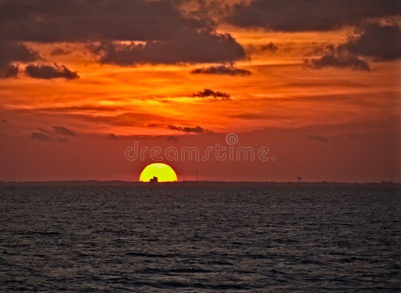 Puesta del sol en la bahía de Chesapeake foto de archivo