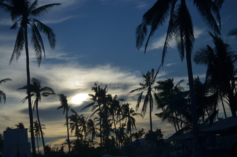 Puesta del sol en la isla de Bantayan, Cebú, Filipinas imagen de archivo