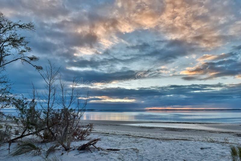 Puesta del sol en la isla de Jekyll fotografía de archivo