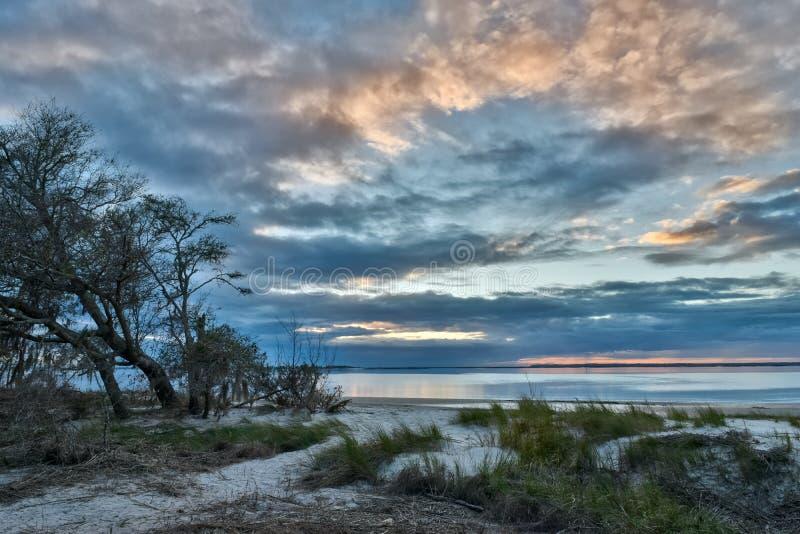 Puesta del sol en la isla de Jekyll foto de archivo libre de regalías