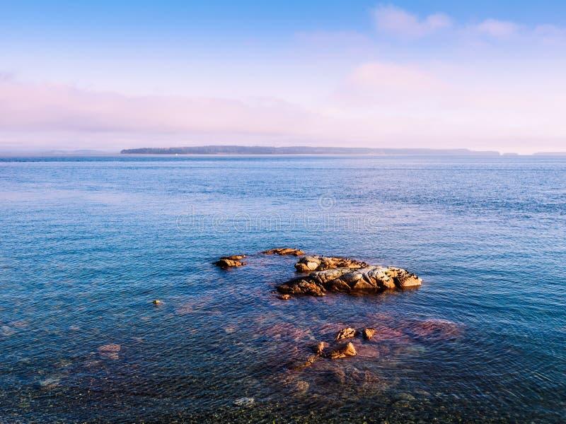 Puesta del sol en la orilla de Sidney imagen de archivo