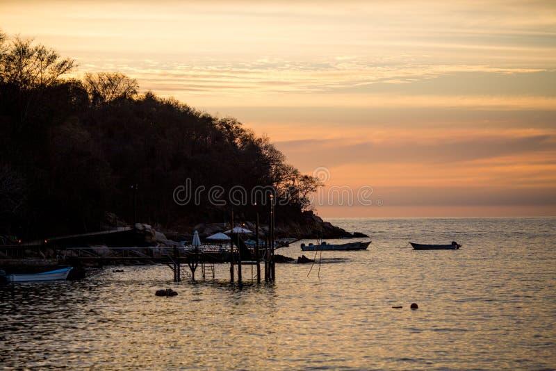 Puesta del sol en la playa de Las Caletas foto de archivo libre de regalías