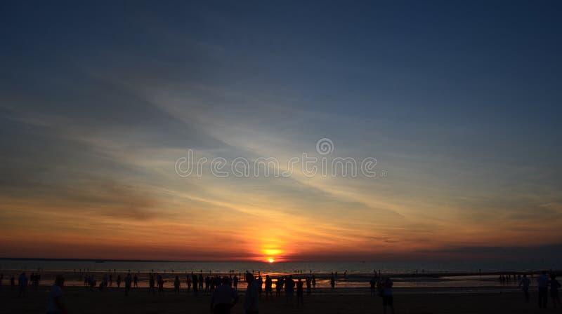 Puesta del sol en la playa de Mindel, Australia imagenes de archivo