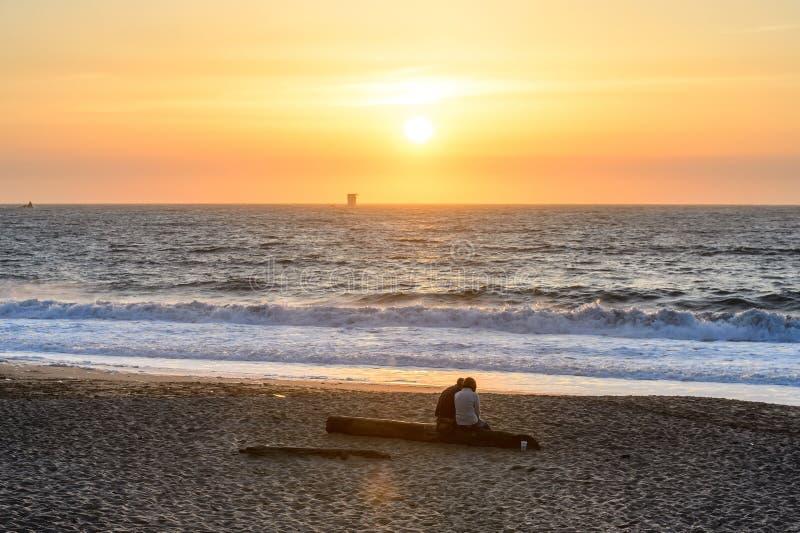 Puesta del sol en la playa del panadero, San Francisco imagen de archivo libre de regalías