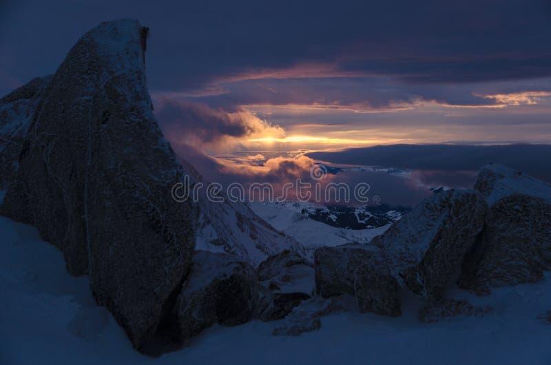Puesta del sol en las montañas francesas, Chamonix fotografía de archivo libre de regalías
