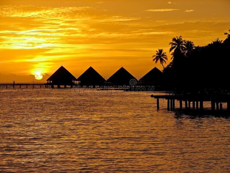 Puesta del sol en los Maldives. fotografía de archivo
