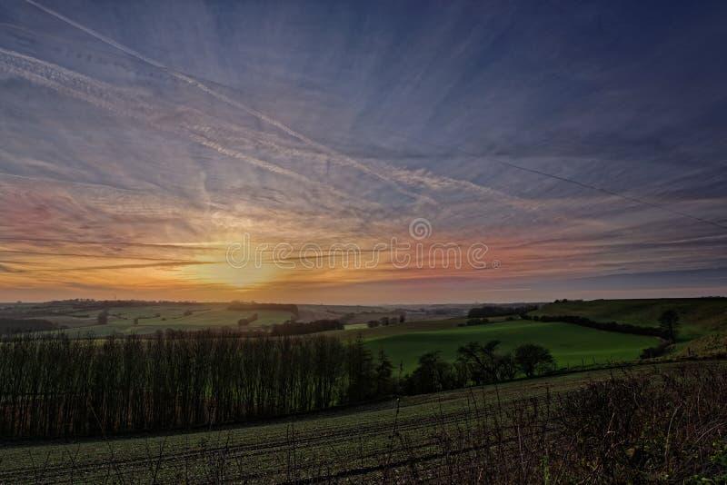 Puesta del sol en los Wolds de Lincolnshire, Reino Unido del invierno fotografía de archivo libre de regalías