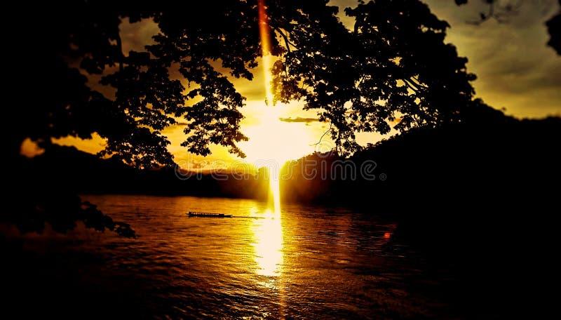 Puesta del sol en Luang Prabang fotografía de archivo libre de regalías