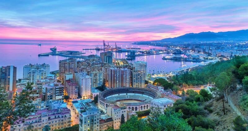 Puesta del sol en Málaga - visión aérea fotos de archivo