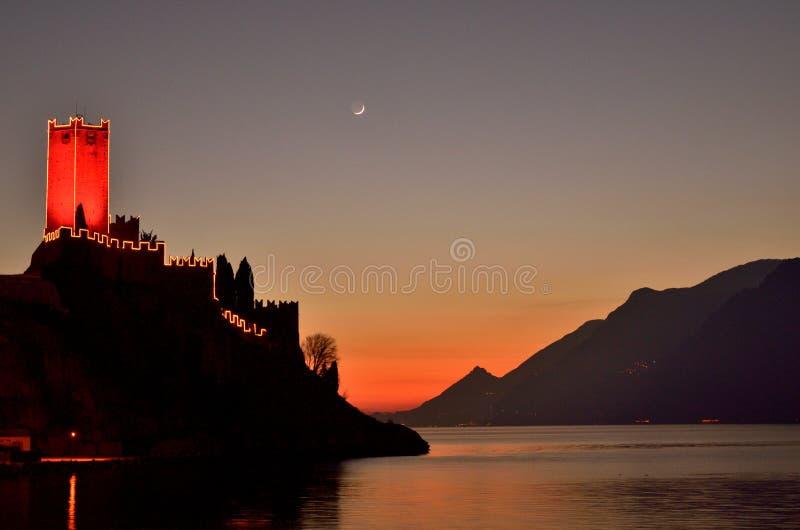 Puesta del sol en Malcesine imagen de archivo libre de regalías