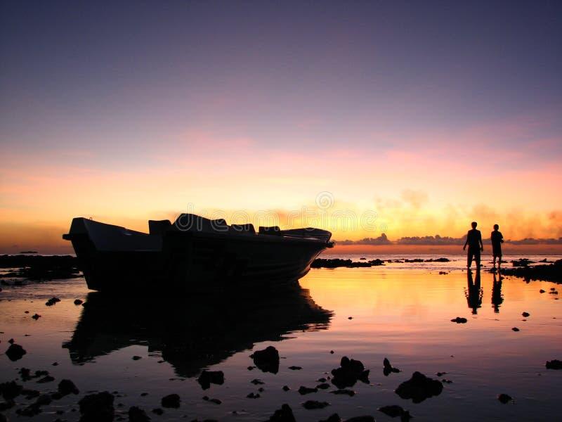 Puesta del sol en Maldives fotos de archivo