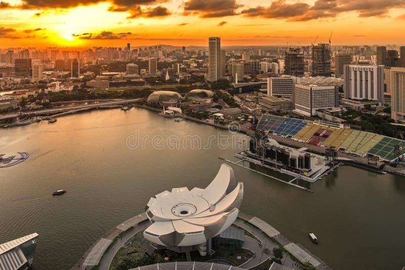 Download Puesta Del Sol En Marina Bay, Singapur Fotografía editorial - Imagen de oficina, finanzas: 42433117