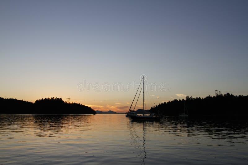 Puesta del sol en Montague Harbour foto de archivo