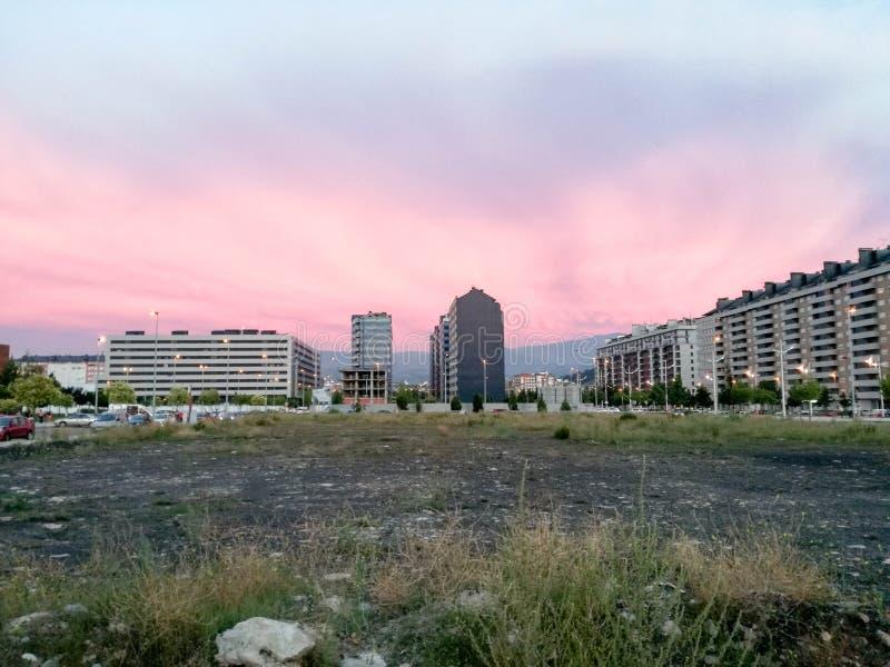 Puesta del sol en Ponferrada fotos de archivo libres de regalías