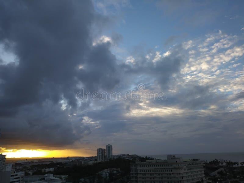 Puesta del sol en San Juan fotos de archivo