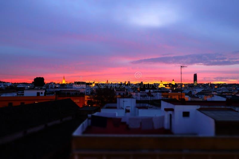 Puesta del sol en Sevilla foto de archivo libre de regalías