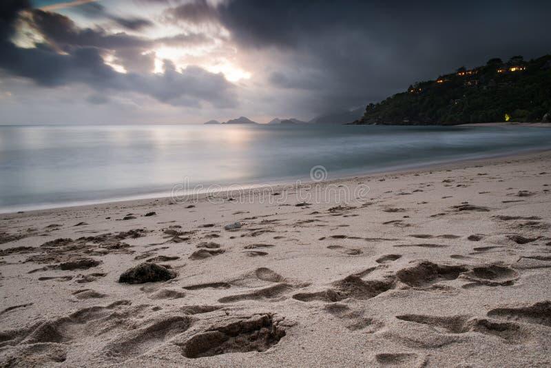 Puesta del sol en Seychelles fotos de archivo