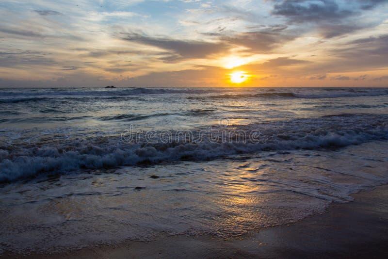 Puesta del sol en Sri Lanka fotos de archivo